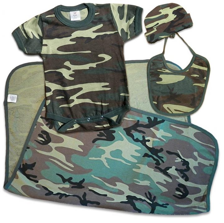 Boys green Camouflage, Camo Baby Gift Pack: Cap, bodysuit (onesie), receiving blanket, bib. For your Duck Dynasty baby.
