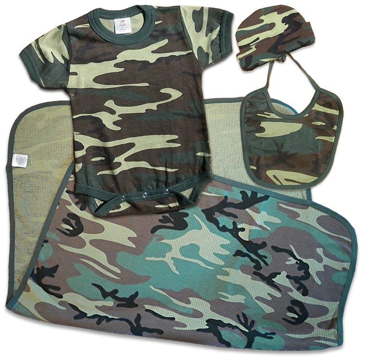 Boys green Camouflage, Camo Baby Gift Pack: Cap, bodysuit (onesie), receiving blanket, bib. For your Duck Dynasty baby.