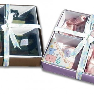Camo-Baby Gift Pack:  Cap, Bodysuit (onesie), Receiving blanket, Bib. For your Duck Dynasty baby boy and girl.