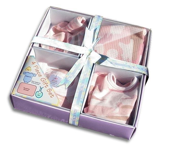 Girls pink camouflage | Camo Baby Gift Pack: Cap, bodysuit (onesie), receiving blanket, bib. For your Duck Dynasty baby.