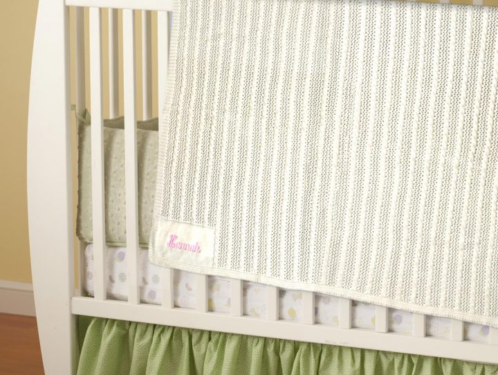 Personalized cashmere blanket. Perfect gift for baby girls and boys